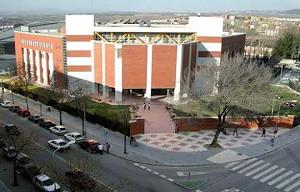 <p>Día<u><strong>13 de Septiembre 2021:</strong></u>acto presencial en el Edificio Multidepartamental del Campus de Guadalajara (C/Cifuentes 28, 19003 Guadalajara):</p>  <p>- 11:00 h. En Salón de Actos Presentación Grado en Enfermería de Guadalajara</p>  <p>El vídeo del Acto de BIENVENIDA estará disponible el 6 de sept. en el siguiente enlace:</p>  <p>https://www.youtube.com/watch?v=PYzMI7321ug</p>  <p></p>